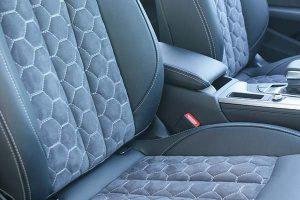Audi A4 Buffalino Leder Alcantara Zwart Honingraadpatroon